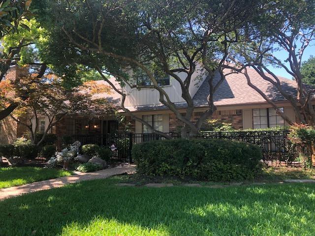 2221 Cross Bend Road, Plano, TX 75023 (MLS #14111062) :: Kimberly Davis & Associates