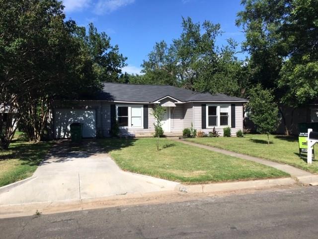 965 N Neblett Street, Stephenville, TX 76401 (MLS #14113843) :: RE/MAX Town & Country