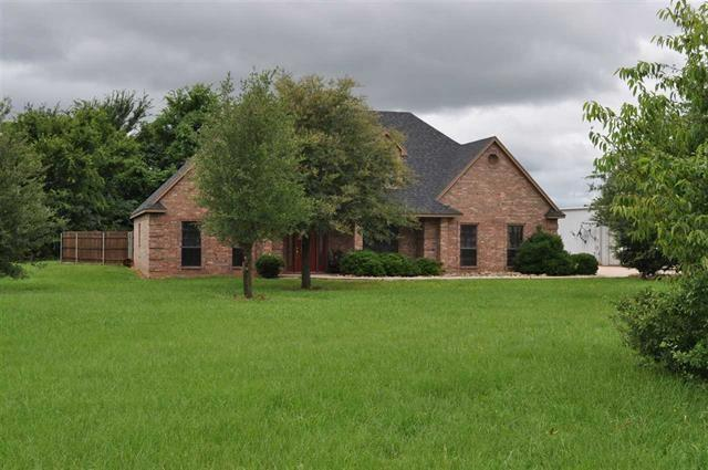 561 County Road 32505, Paris, TX 75460 (MLS #14113884) :: RE/MAX Town & Country