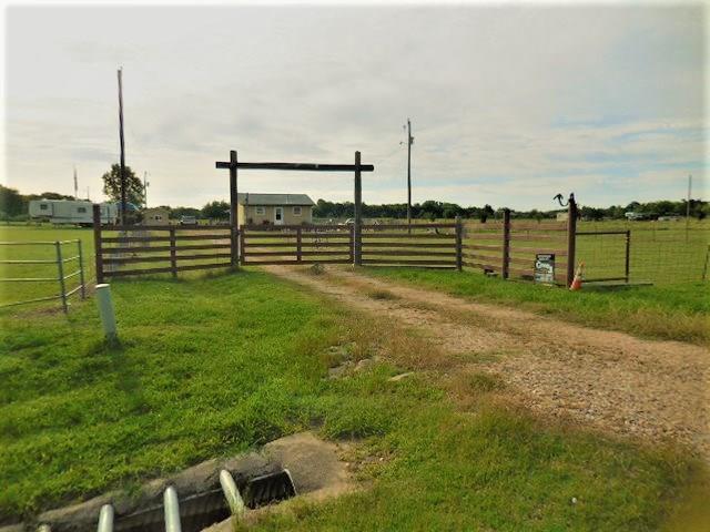5708 Farm Road 904 S, Klondike, TX 75448 (MLS #14113925) :: Kimberly Davis & Associates