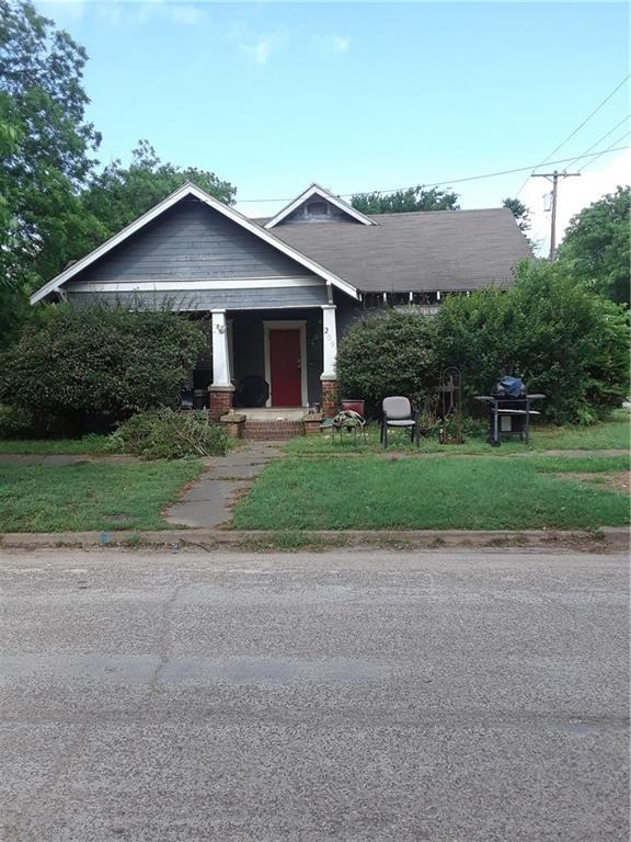 209 N Abbott Street, Hillsboro, TX 76645 (MLS #14113927) :: RE/MAX Town & Country