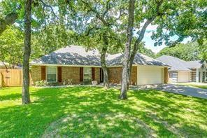 917 Wood Hollow Lane, Burleson, TX 76028 (MLS #14115057) :: The Mitchell Group