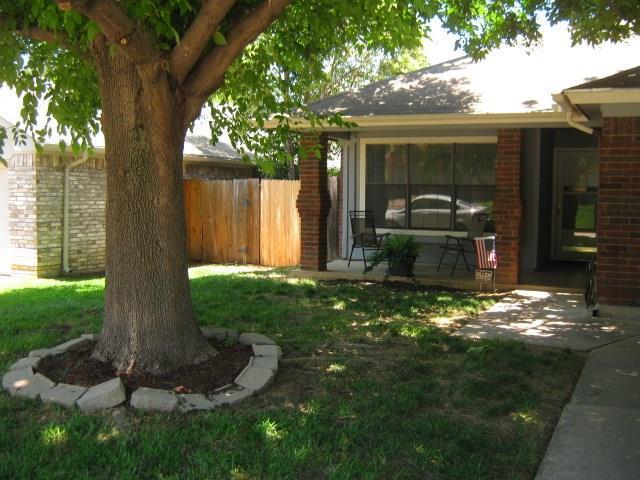 4205 Meadow Park Drive, Arlington, TX 76017 (MLS #14117120) :: The Heyl Group at Keller Williams