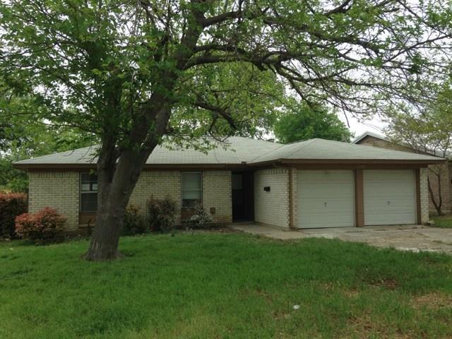 2905 Rio Vista Road, Fort Worth, TX 76116 (MLS #14118151) :: The Heyl Group at Keller Williams
