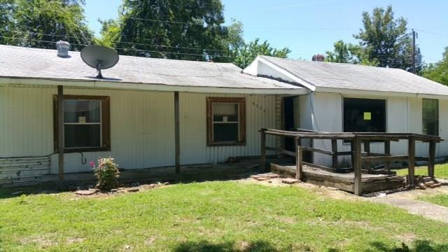 8029 Hanon Drive, White Settlement, TX 76108 (MLS #14120208) :: Team Tiller