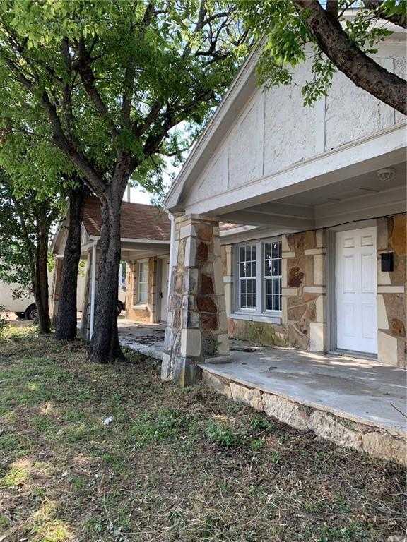 1501 W Biddison, Fort Worth, TX 76110 (MLS #14122532) :: Vibrant Real Estate
