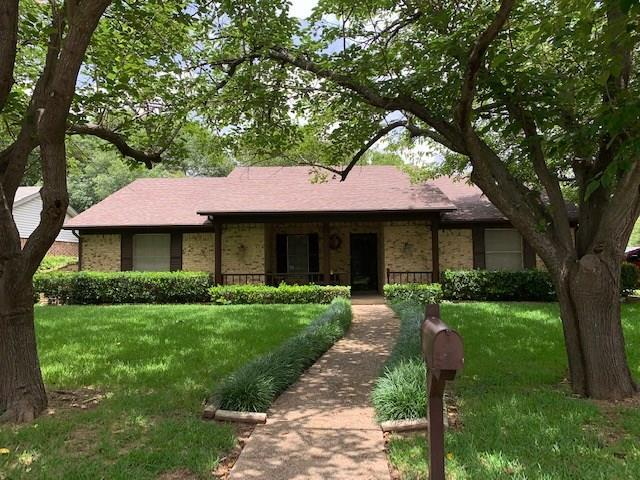 2102 Pebblecreek Drive, Cleburne, TX 76033 (MLS #14125532) :: The Good Home Team
