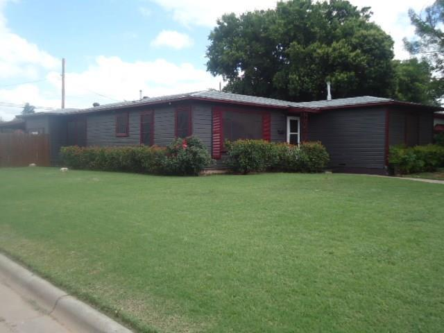 801 S San Jose Drive, Abilene, TX 79605 (MLS #14125586) :: The Tonya Harbin Team