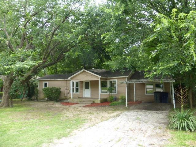 412 W 6th Street, Lancaster, TX 75146 (MLS #14127747) :: RE/MAX Town & Country