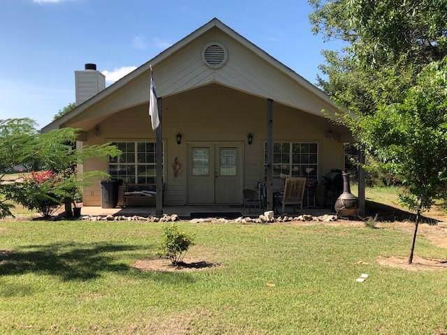470 Lazy Acres Road, Pottsboro, TX 75076 (MLS #14129019) :: Kimberly Davis & Associates