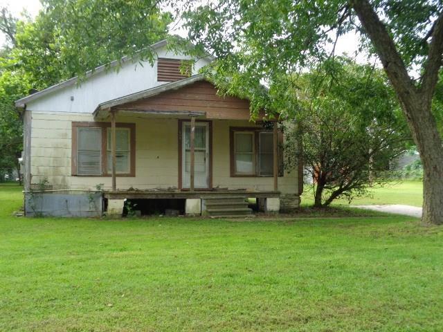 608 Strawberry, Winnsboro, TX 75494 (MLS #14129942) :: Lynn Wilson with Keller Williams DFW/Southlake