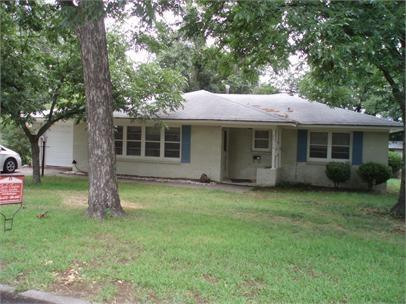 2504 Washington Street, Commerce, TX 75428 (MLS #14131174) :: RE/MAX Town & Country