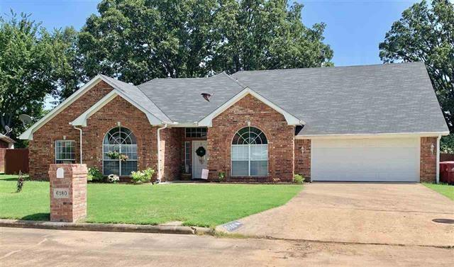 6180 Laura Lane, Reno, TX 75462 (MLS #14131498) :: Lynn Wilson with Keller Williams DFW/Southlake
