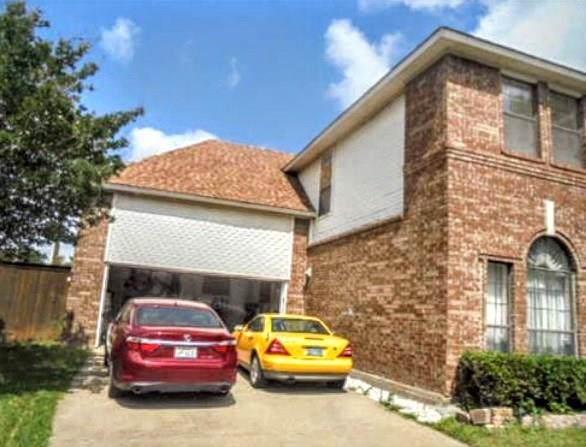 3015 Redstone Drive, Arlington, TX 76001 (MLS #14134285) :: Century 21 Judge Fite Company