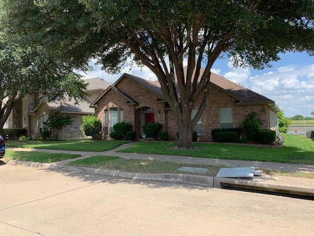 3242 Creek Meadow Lane, Garland, TX 75040 (MLS #14134533) :: NewHomePrograms.com LLC