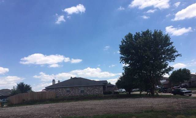 705 Lovern Street, Cedar Hill, TX 75104 (MLS #14135898) :: Potts Realty Group