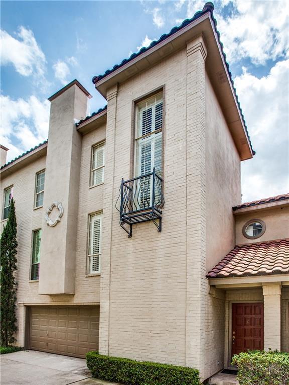 4504 Bowser Avenue C, Dallas, TX 75219 (MLS #14136443) :: Team Hodnett