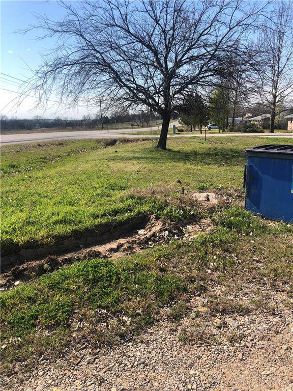 1817 Fm 371, Gainesville, TX 76240 (MLS #14138465) :: RE/MAX Town & Country