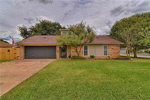 1408 Strickland Drive, Crowley, TX 76036 (MLS #14138468) :: RE/MAX Town & Country