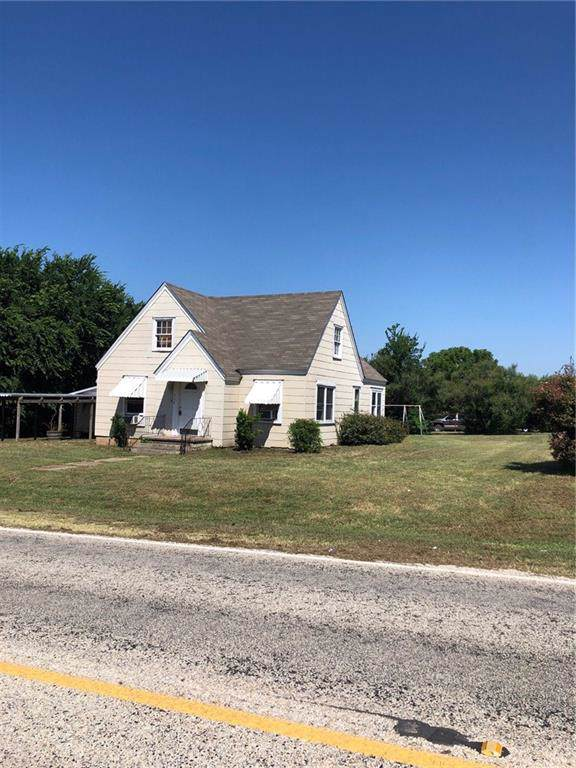 302 Rock Hill Road, Bowie, TX 76230 (MLS #14138758) :: Lynn Wilson with Keller Williams DFW/Southlake