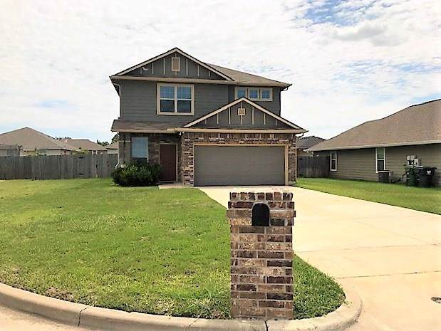 10613 Madrid Court, Waco, TX 76708 (MLS #14139324) :: RE/MAX Town & Country