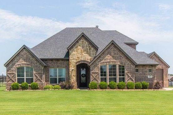 125 Backstretch Lane, Fort Worth, TX 76126 (MLS #14140385) :: North Texas Team | RE/MAX Lifestyle Property