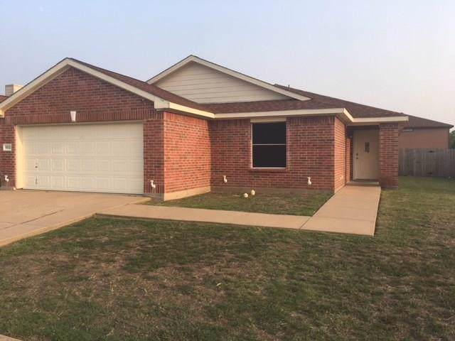 1502 Whitlit Drive, Arlington, TX 76002 (MLS #14140471) :: Lynn Wilson with Keller Williams DFW/Southlake