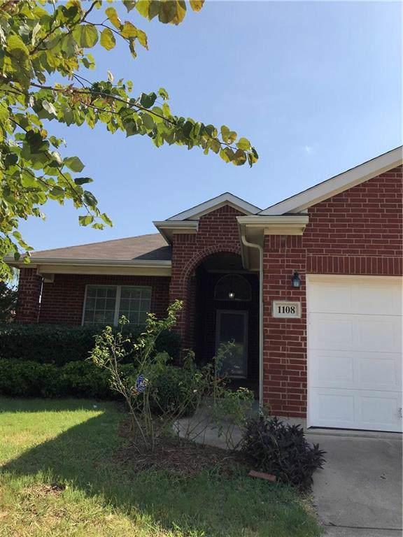 1108 Skylark Drive, Burleson, TX 76028 (MLS #14141106) :: RE/MAX Pinnacle Group REALTORS