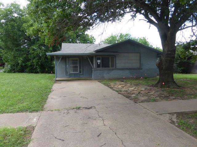 1326 Morado Street, Graham, TX 76450 (MLS #14141439) :: RE/MAX Town & Country
