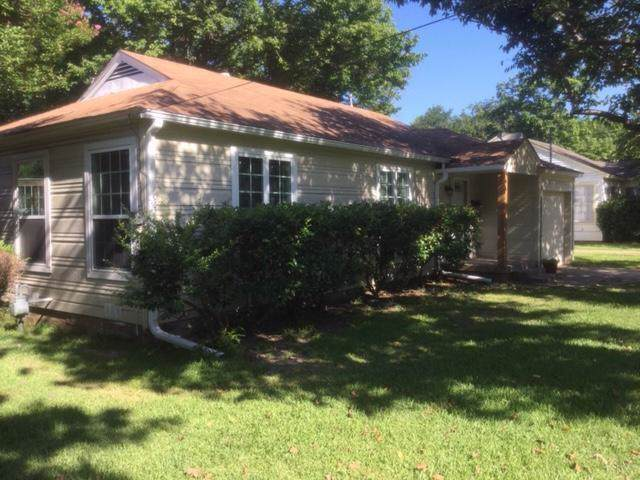 1622 N Ricketts Street, Sherman, TX 75092 (MLS #14142635) :: RE/MAX Town & Country