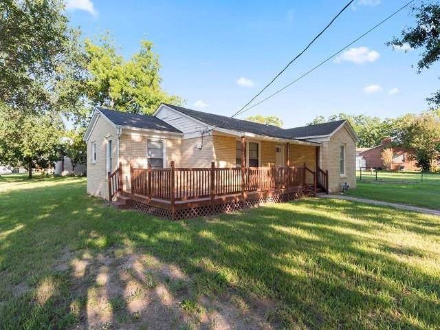 402 Edgar Street, Eustace, TX 75124 (MLS #14143294) :: Kimberly Davis & Associates