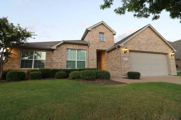 716 Fortinbras Drive, Mckinney, TX 75071 (MLS #14143297) :: RE/MAX Town & Country
