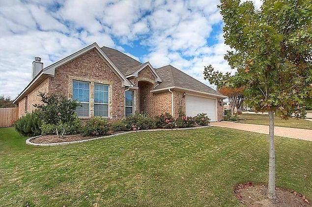 7504 Whitestone Ranch Road, Benbrook, TX 76126 (MLS #14143590) :: Potts Realty Group