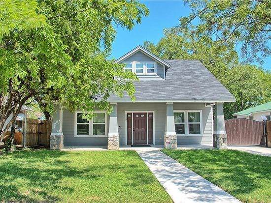 1217 E Robert Street, Fort Worth, TX 76104 (MLS #14144529) :: Real Estate By Design