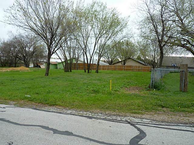 000 Lone Oak Street, Lewisville, TX 75057 (MLS #14144838) :: Vibrant Real Estate