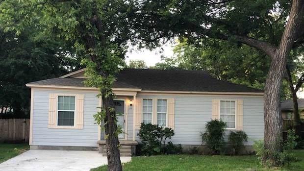 133 W Avenue G, Garland, TX 75040 (MLS #14144888) :: Ann Carr Real Estate