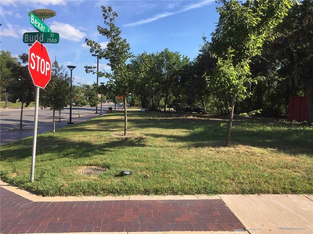 2525 Saint Clair Drive - Photo 1