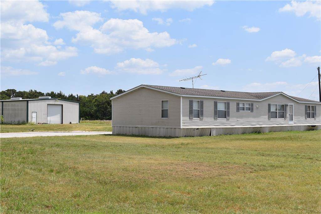3611 Interstate 30 W, Caddo Mills, TX 75135 (MLS #14148385) :: Vibrant Real  Estate