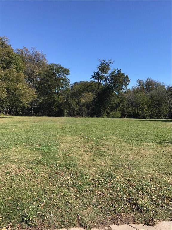 524 N Weaver Street, Gainesville, TX 76240 (MLS #14149273) :: The Welch Team