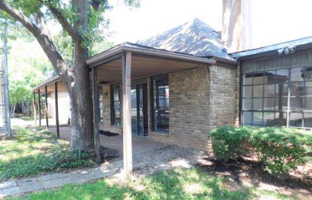 2775 Fairway Park Street, Grand Prairie, TX 75050 (MLS #14161960) :: The Hornburg Real Estate Group