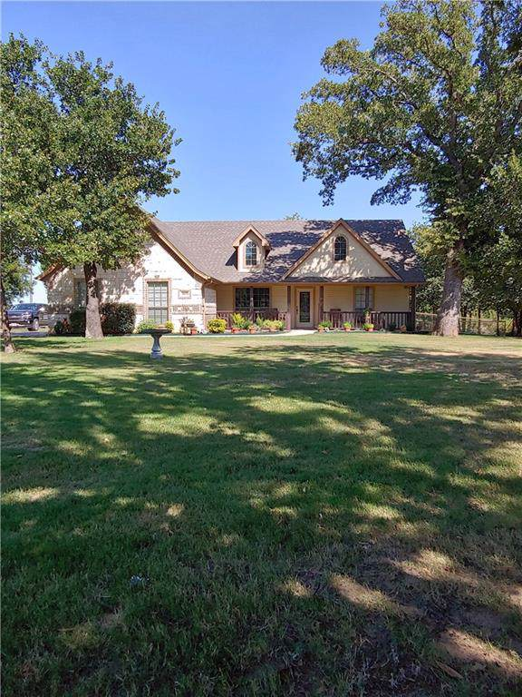 113 Knight Court, Springtown, TX 76082 (MLS #14162517) :: The Heyl Group at Keller Williams