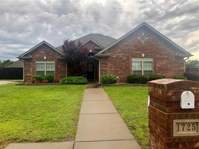 1725 Meadowbriar Drive, Reno, TX 75462 (MLS #14164094) :: Ann Carr Real Estate
