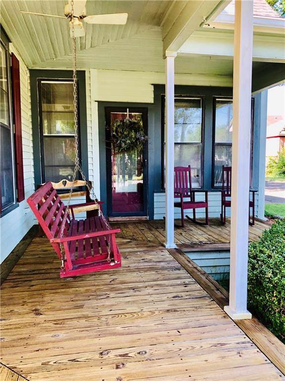 405 Market Street E, Honey Grove, TX 75446 (MLS #14164706) :: Frankie Arthur Real Estate