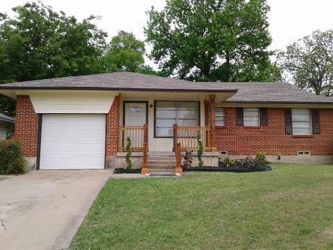 1131 Waweenoc Avenue, Dallas, TX 75216 (MLS #14165062) :: Tenesha Lusk Realty Group