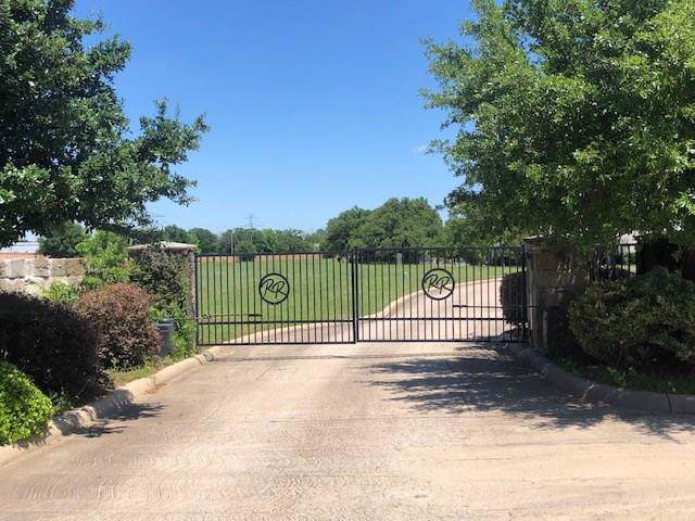 2501 Jacob Way, Arlington, TX 76001 (MLS #14165954) :: NewHomePrograms.com LLC