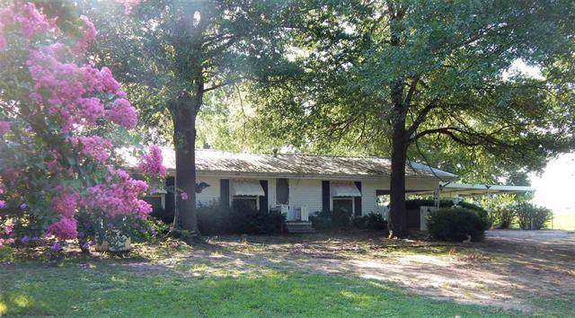 1502 Amherst Road, Paris, TX 75462 (MLS #14166251) :: All Cities Realty