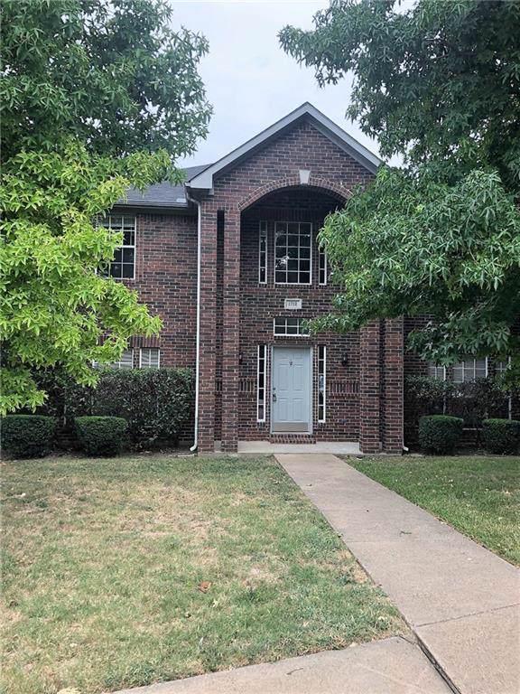 1712 Stafford Street, Cedar Hill, TX 75104 (MLS #14166667) :: RE/MAX Pinnacle Group REALTORS