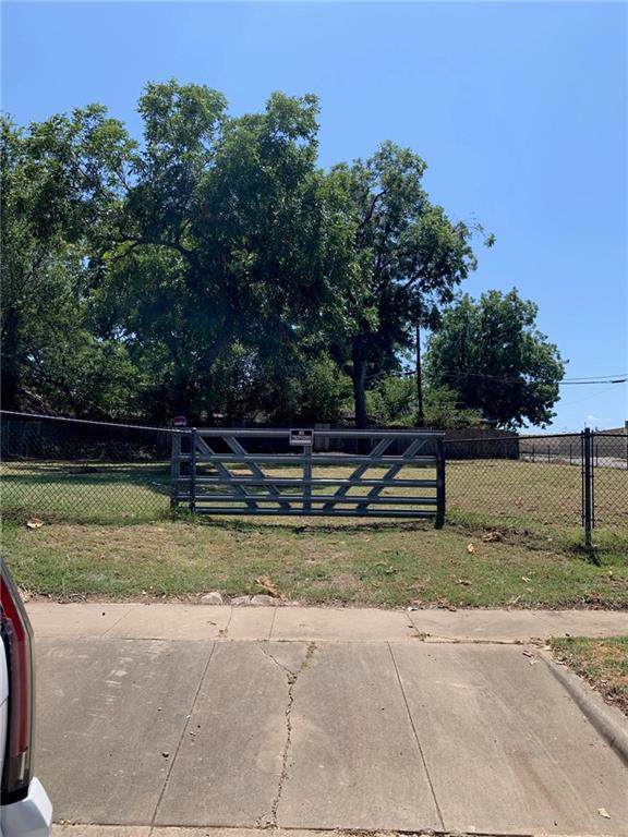 2900 Avenue B, Fort Worth, TX 76105 (MLS #14167237) :: Baldree Home Team