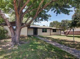 1911 Maplewood Court, Gainesville, TX 76240 (MLS #14168051) :: Lynn Wilson with Keller Williams DFW/Southlake