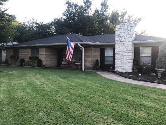 403 Hillside Drive, Gainesville, TX 76240 (MLS #14168592) :: Kimberly Davis & Associates